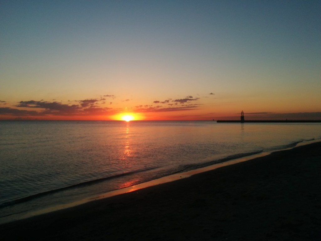Sunrise-LakeMichigan-2014-10-8