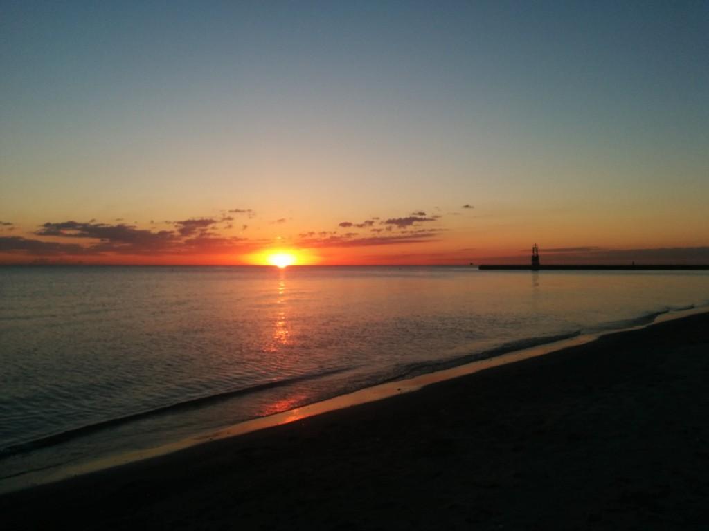 Sunrise-LakeMichigan-2014-10-8